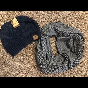NWT NAVY CC BEANIE AND T-SHIRT INFINITY SCARF 🧣
